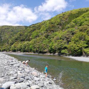 暑くなったら、川遊び!